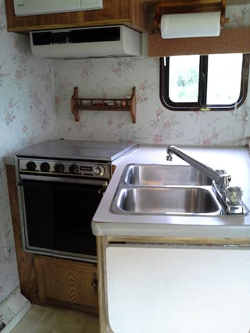 Propane stove & sink, cold water only