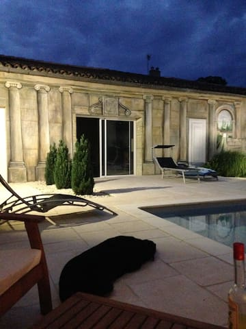 Maison charentaise avec piscine l'été