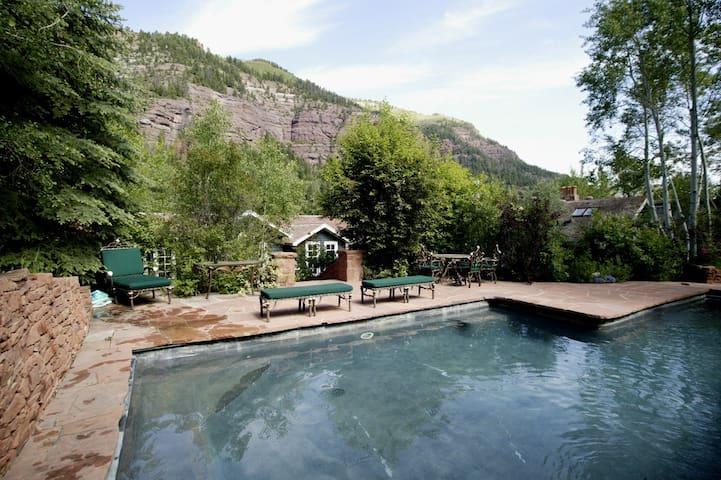 Crystal Farm swimming pool