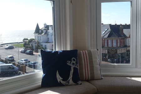 East Beach Apartment - With sea views - Worthing