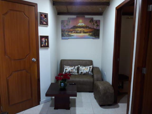 Departamento Quito-Norte con parqueadero incluido