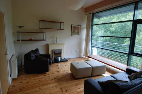 River View Apartment with 3 large Double Rooms