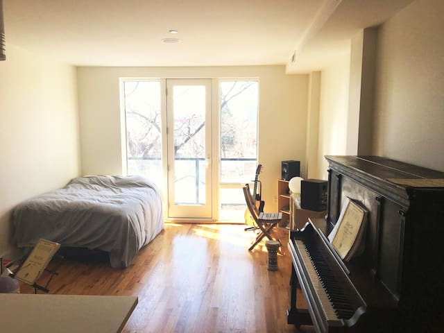 Quiet spacious sunny studio in Greenpoint Brooklyn