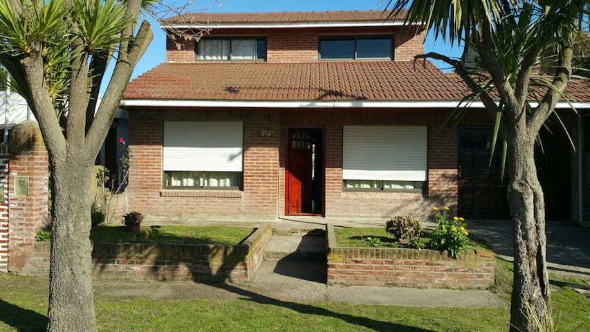 Casa familiar en zona turistica - Santa Clara del Mar