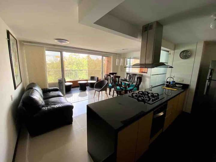 3 bedroom apartment in enclosed complex with pool