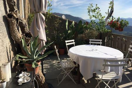 The Corsican Hideout - Castirla - บ้าน