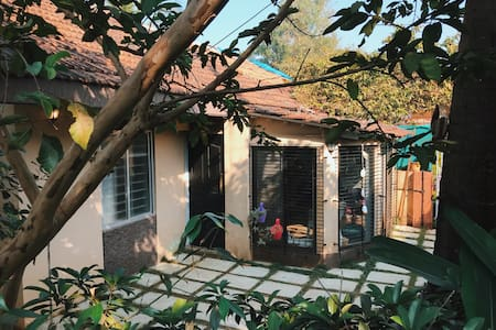 Aerostel Lonavala -Cozy 2BHK Bungalow for 5 people