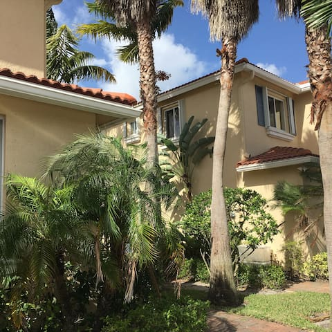 Private room Water view townhouse - Boynton Beach