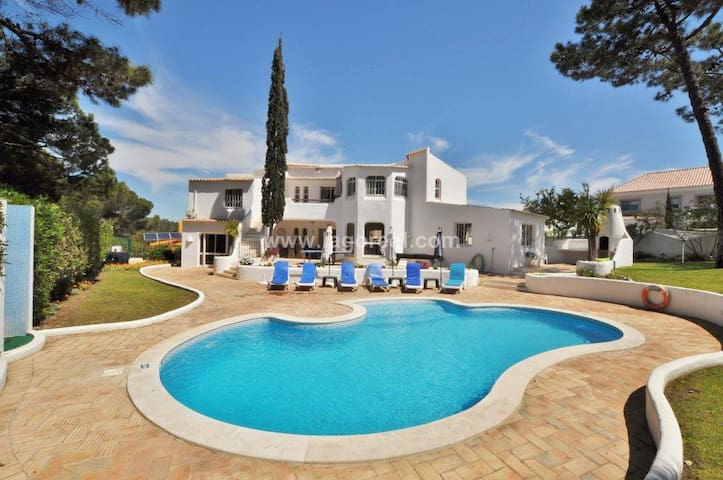 Villa Pinea (Quinta do Lago)