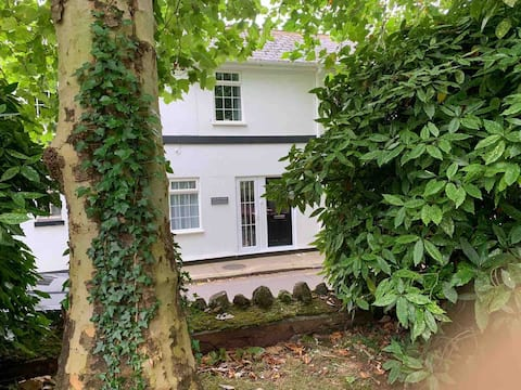 Situated in the lovely area of St Marychurch