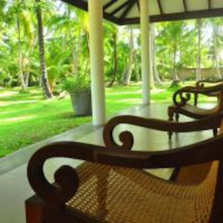 Coco House.  Peaceful area, large coco retreat