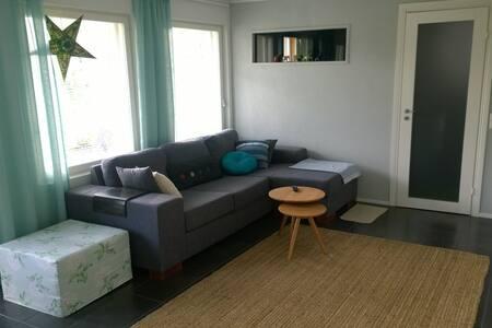 Makuuhuone, olohuone ja sauna - Mäntsälä - 其它
