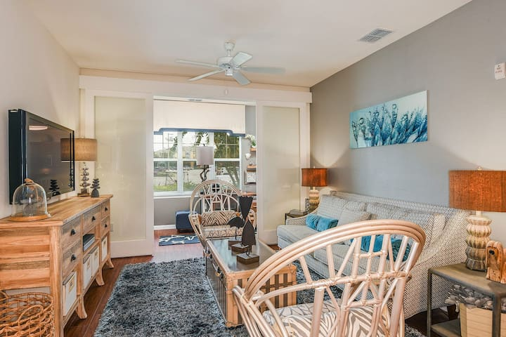 Relax in comfort | 1BR in Winter Garden
