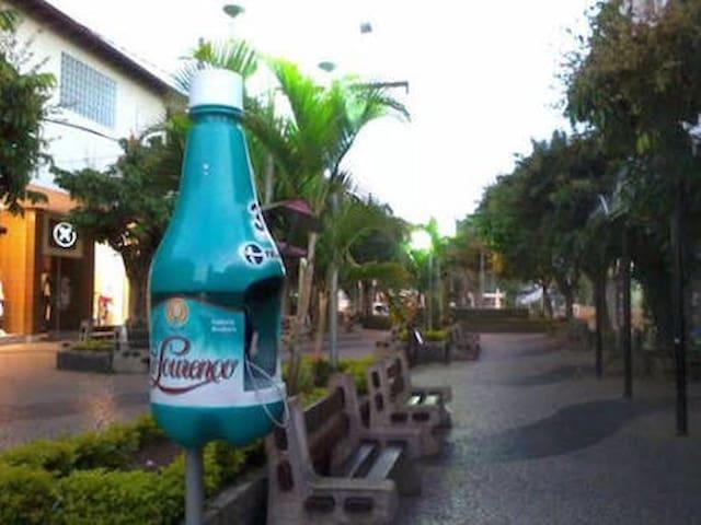 Kitnet no Calçadão de São Lourenço - São Lourenço - Appartement