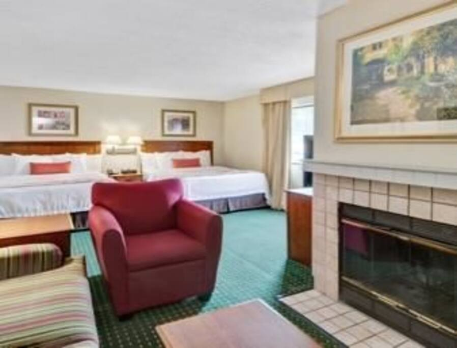 The Studio Queen Suite features two Queen-size beds and a Queen-size sofa-bed.  The suite is equipped with a full-size kitchen with everything you will need for cooking.