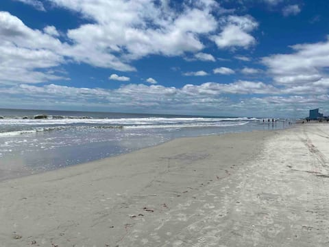 3BR Salty Air Retreat on Bayside Pets Welcome