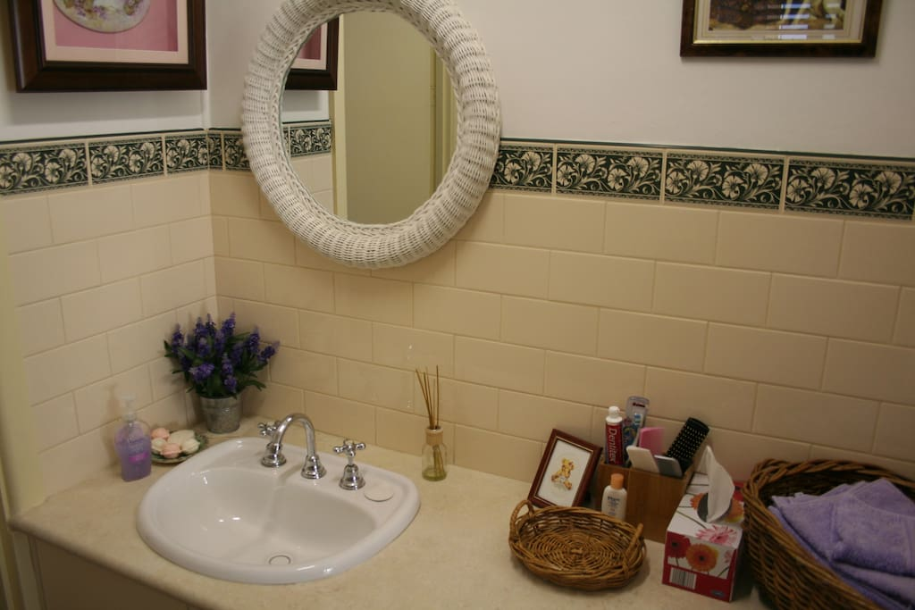 Clean and bright ensuite fully equipped