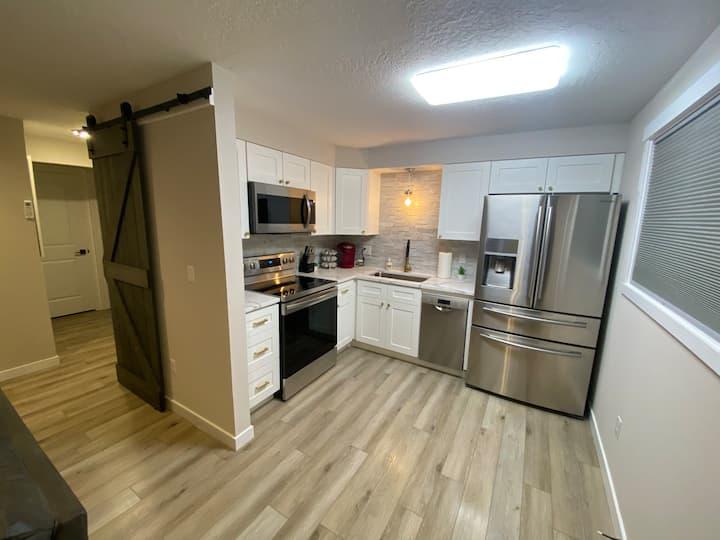 2 Bedroom Downstairs Apartment in Spokane Valley