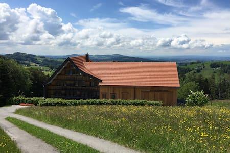 Bauernhaus mit Charme in Stadtnähe - Rehetobel