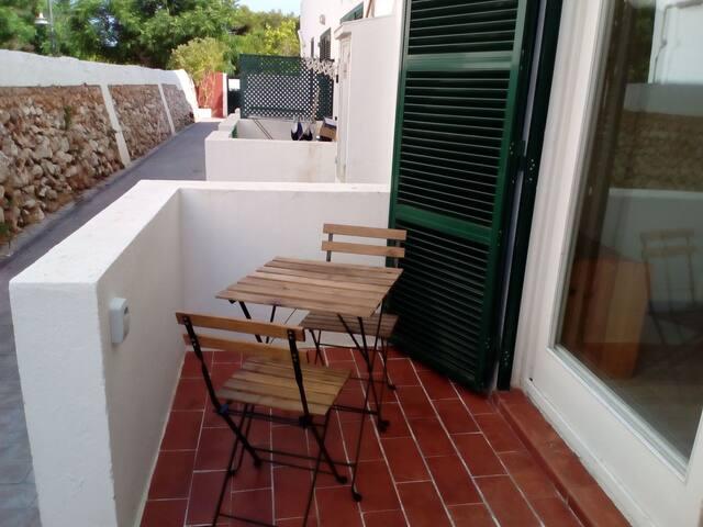 Estudio con terraza Ciutadella centro.