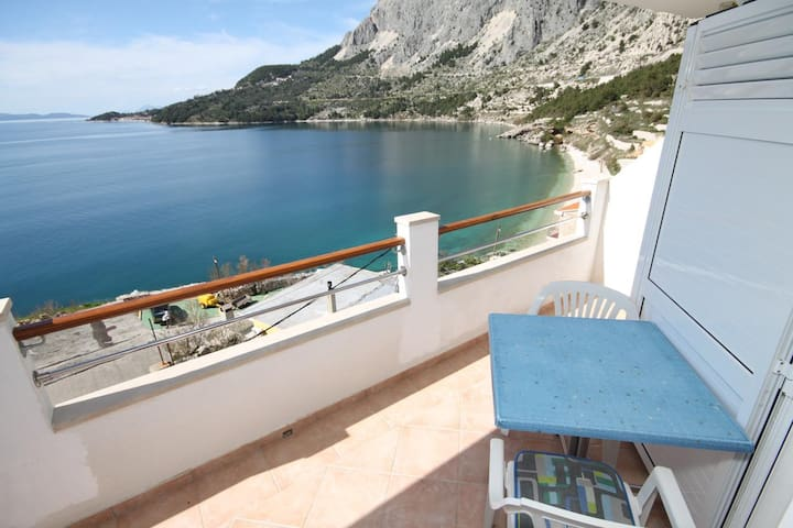 One bedroom apartment with terrace and sea view Drašnice, Makarska (A-2581-a)