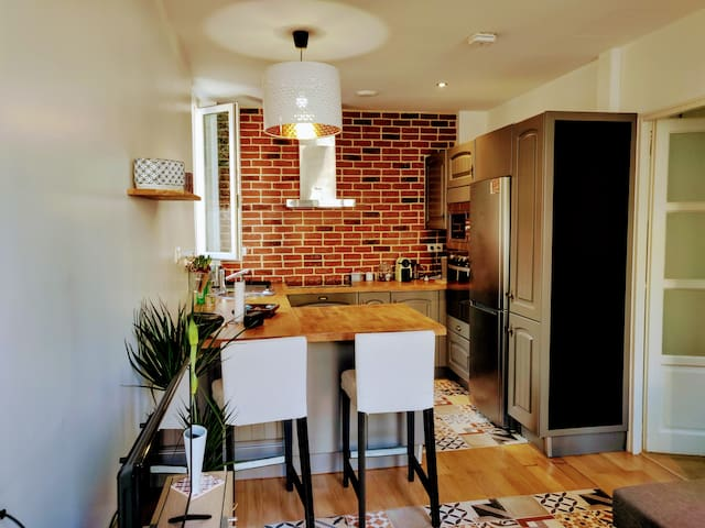 Cosy apartment at 10 min Orly airport and Paris