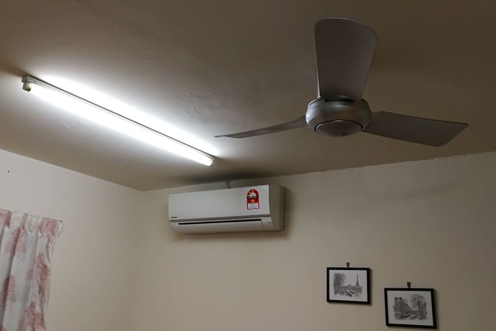 Air-conditioning or Fan 空调或吊扇