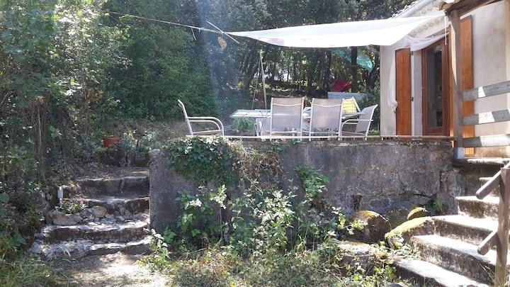 Maison de vacances en Cévennes sur grand terrain