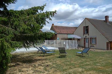 maison de campagne avec piscine non chauffée