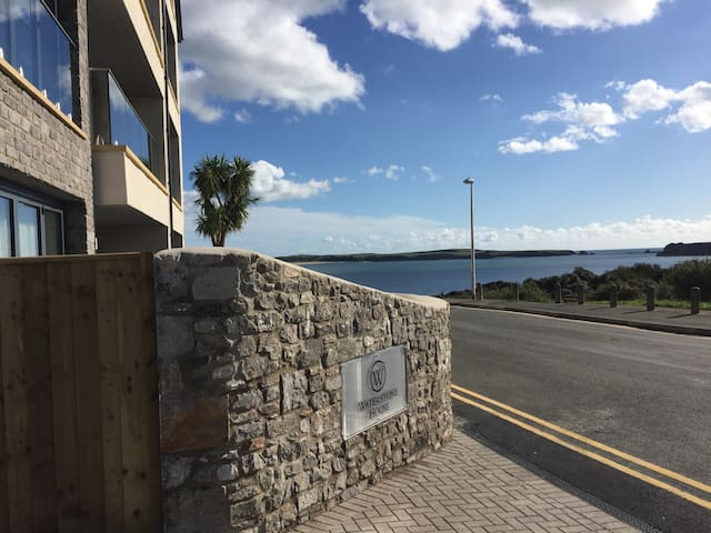 Luxury Family Apartment South Beach Tenby