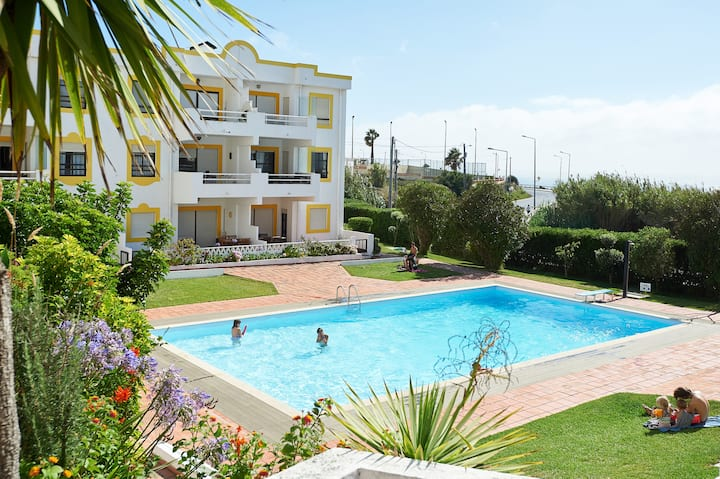 Ericeira Beach Flat Swimming Pool