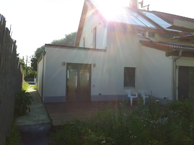 Schönes Haus mit großer Terasse - Senden - Townhouse