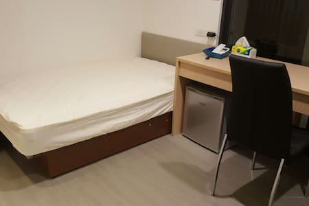 2461!Garage Single Room 單人房 - Xiangshan District - Bed & Breakfast