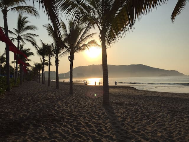 A Quality time in Costa Ixtapa,2 Blocks away Beach