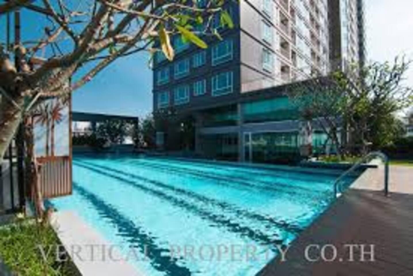 Big spacious swimming pool