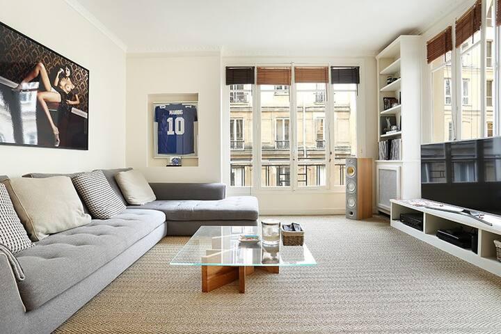 One bedroom flat very close to The Champs Elysées - Paris - Daire