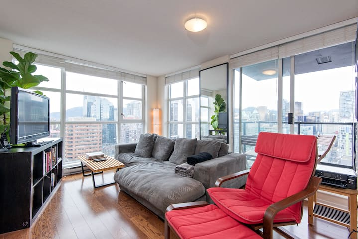 Yaletown, 1 bdrm, parking, patio, Skytrain