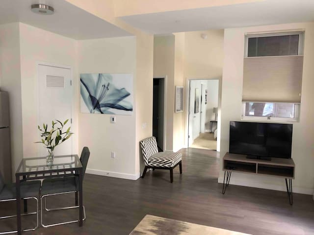 NEW: Luxury 1BR Downtown SF