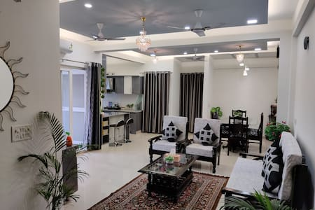 Anand's Aashiayana  homestay owner run property