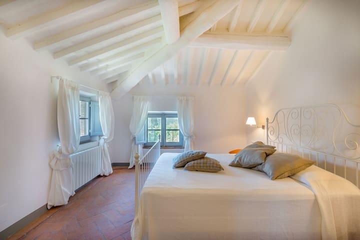 fourfh bedroom