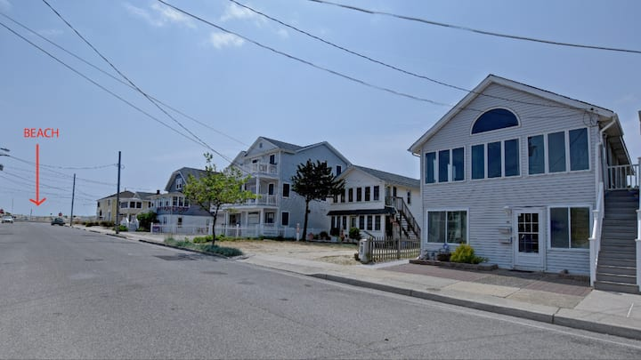 CHARMING BEACH BLOCK COTTAGE AT THE JERSEY SHORE!
