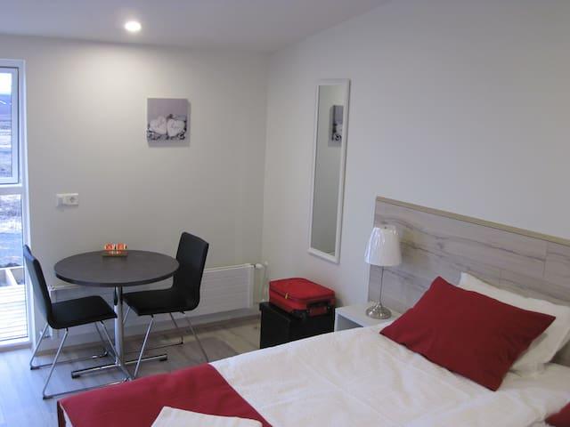 Skógar Sunset Guesthouse St.room 2 - Húsavík - Apartamento