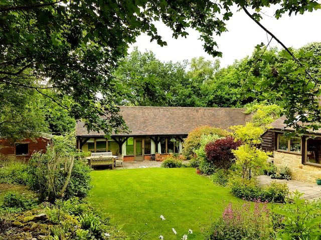 Beautiful barn in stunning countryside. - Cowfold - Flat