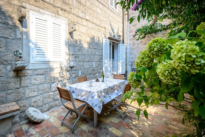Stone house with character in old town Cavtat