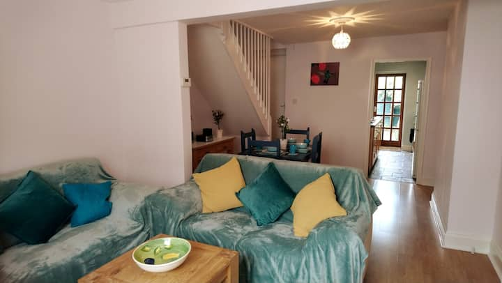 IMMACULATE TRANQUIL COTTAGE IN CENTRAL BERKHAMSTED