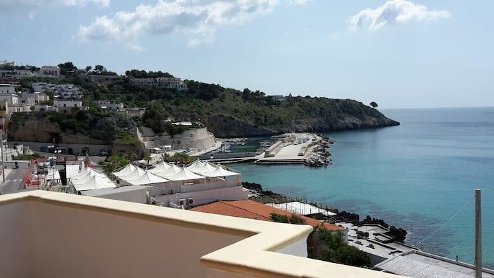 Un terrazzino sul mare
