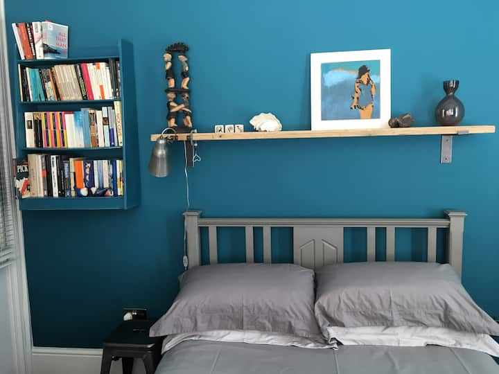 Beautiful room to let Seven Dials