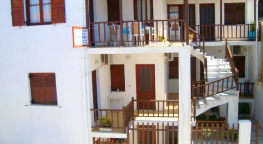 ERESSOS-AKROGIALI  ROOMS, LESVOS - Lesbos Prefecture - Apartment