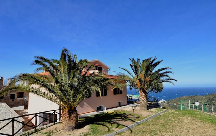 Apartment Il Colle ( 6 pax )