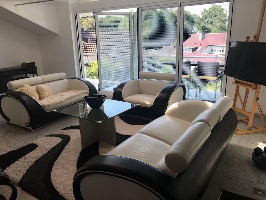 lichtdurchfluteter wohntraum auf h chstem niveau wohnungen zur miete in bergisch gladbach. Black Bedroom Furniture Sets. Home Design Ideas